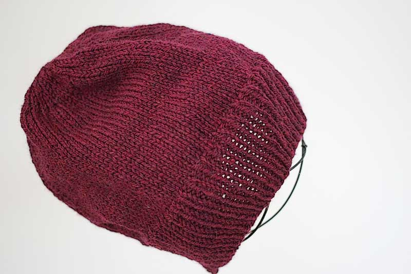 simple ribbed beanie hat