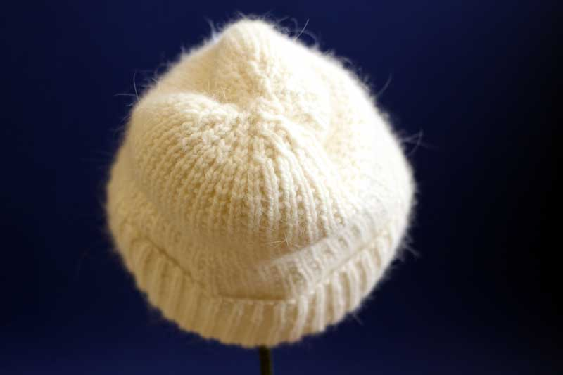 winter whites hat http://midnightskyfibers.com