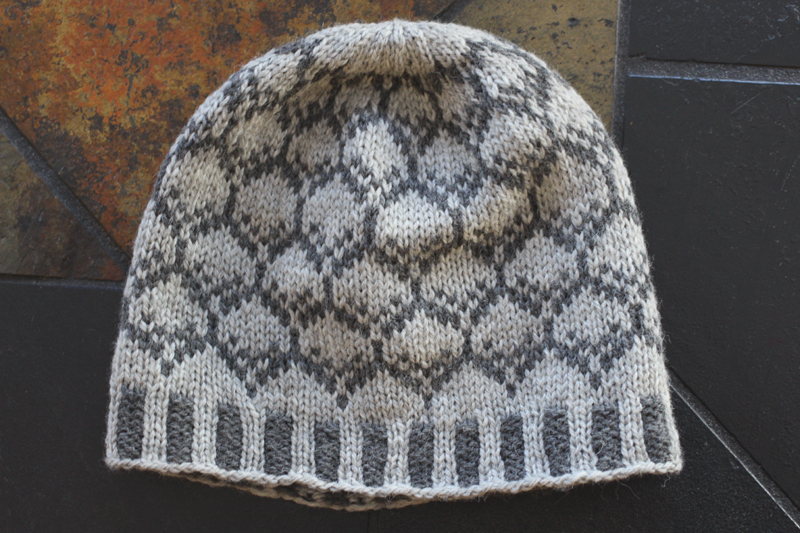 Midnightsky Fibers Knitting Pattern - Colorwork hat in greys